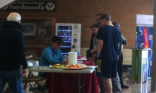 athletes-at-registration-table
