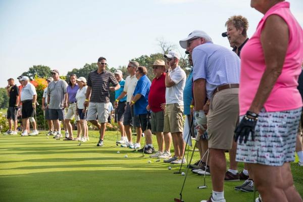 2016 DMC Golfers ready to Putt
